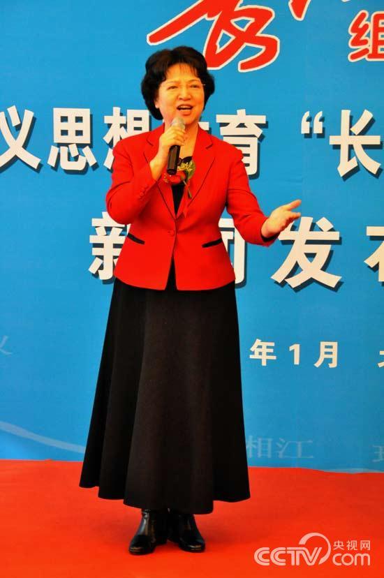 著名女高音歌唱家耿莲凤现场演唱《长征组歌》精彩段落